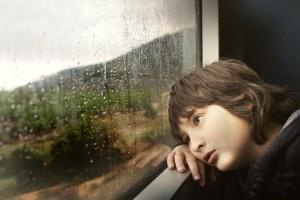 szomorú fiú